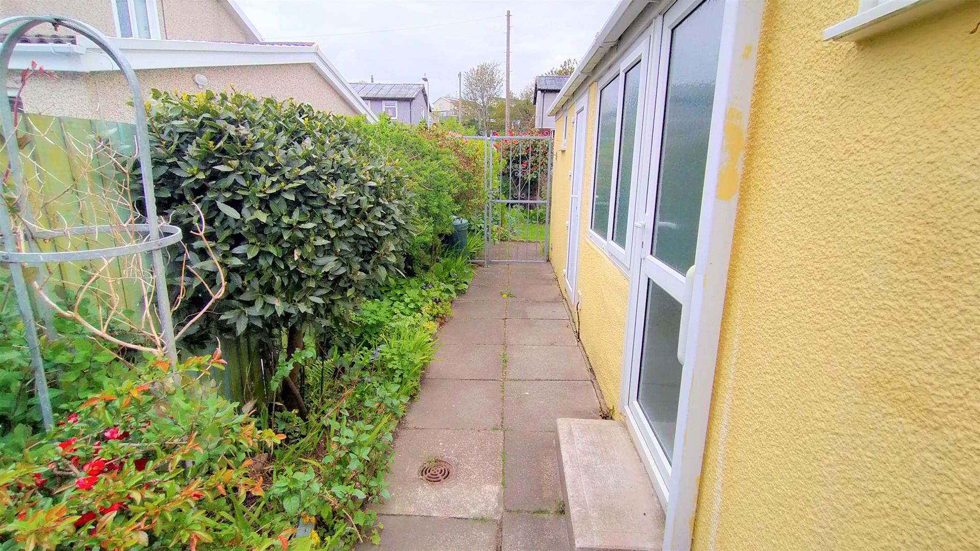 Acacia Road, West Cross, Swansea, SA3 5LF
